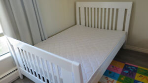 3 in 1 Crib, Toddler and full size bed and Matresses