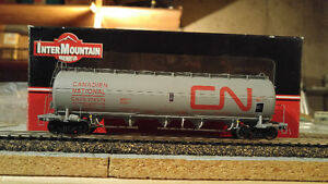 HO Scale Model Train Intermountain CN Pressure Flow Hopper MINT