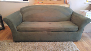 Hyda bed love seat couch
