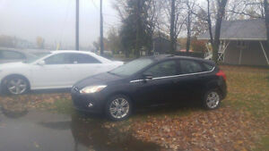 Ford Focus SEL 2012  (Toit ouvrant)!