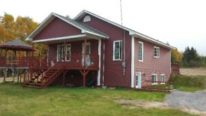HOME + 4 ACRES $310,000.00 or 6 ACRES $338 Port Blandford, NL