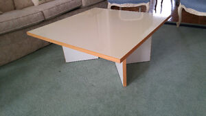 Bauhaus Vintage Coffee Table - White and light wood