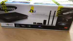 Samsung DVD/Bluray player with speakers