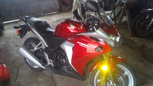 selling 2012 CBR250R red