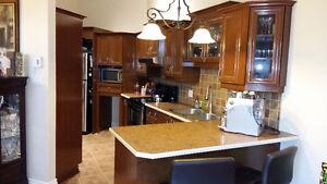 * Armoires et comptoir * cuisine et sale de bain