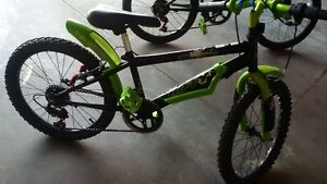 kiids huffy of road mountain bike