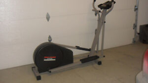 Elliptical Trainer Proform 545E