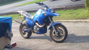 Suzuki dr 750