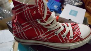 Converse Chuck Taylors High-Tops Size 6 (RED)
