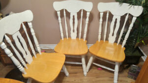 Table round with 4 chairs