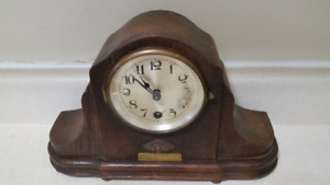 Mantle Clock Presentation Antique 1925 Working with Key