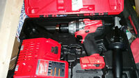 Milwaukee drill/hammer drill 1/2 steel chuck with charger