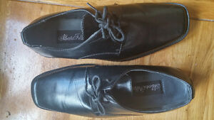 chaussure pour homme. 9.5.