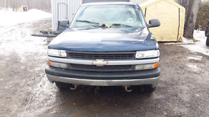 99-06 chev gmc silverado sierra truck part out 137k.