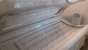 Royal Sun Express Commercial Tanning Bed Peterborough Peterborough Area image 2