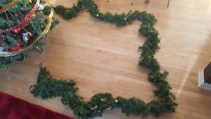 Guirlande de Noël (contour de porte d'entrée)