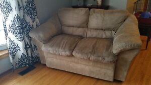 couch, loveseat and chair set NOW $500 for all 3, good condition Peterborough Peterborough Area image 3