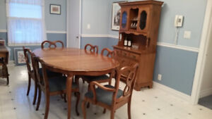 Dining Room Set – Table, Extension, 6 Chairs & Hutch