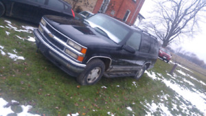99 Chevy Tahoe V8 Loaded 4x4 REDUCED