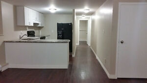 Gorgeous 2 Bedroom+Den Unit, South Barrie - (Utilities Included)