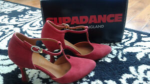 Souliers de danse rouge neufs - Ballroom red dance shoes