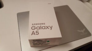 Samsung A5 2017 unlocked brand new (sealed)