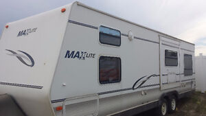 2006 28 ft trailer. Good Deal. Must Sell. Half ton tow-able.
