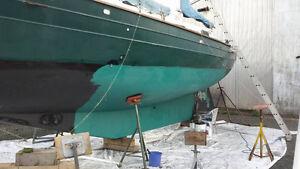 Semi live aboard sail boat