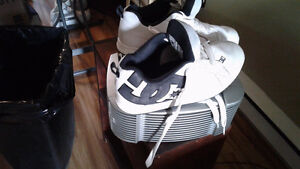 Men's DC sneakers worn 3 weeks bought to big for son.only 10.00