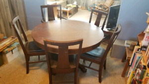 Dining table with 6 chairs - oak, antique