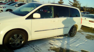 2013 Town and Country Touring- VERY NICE!!!!!!!!