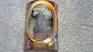 LORD OF THE RINGS EASTERLING ACTION FIGURE