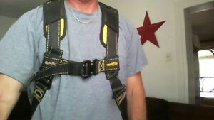 Like new NORGUARD GUARDIAN safety harness for roofing etc.