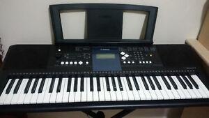 Yamaha Keyboard PSR-E333 with stand Cambridge Kitchener Area image 1