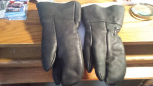 Hides in hands - Deer leather hunting mitts