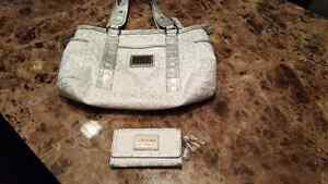 New guess purse and wallet