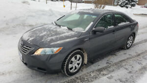 Camry hybrid XLE, leather seats, sunroof, bluetooth, safetied
