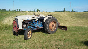 Ford 4000 tractor with blade