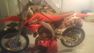 Parting out 2006 cr125