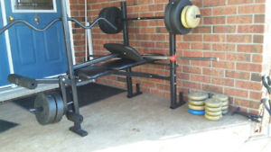 Everlast full workout weight bench and 160 lbs in weights