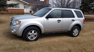 REDUCED !!!   2010 Ford Escape XLT 4x4 SUV, Crossover