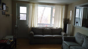 4 ½ IN RIDGEWOOD AVE, ALL INCLUSIVE + PARKING. Availab MARCH 1ST