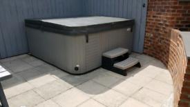 Hot tub 8 seater Aspen spa