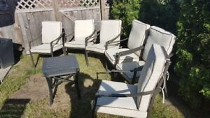 Beautiful dark brown Glucksteinhome patio table set