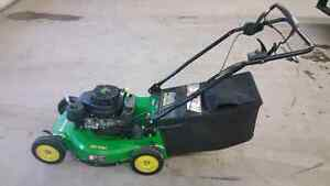 John Deere self propelled lawn mower Regina Regina Area image 3