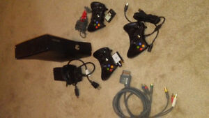 Xbox 360.. .. 3 Controllers.. .. 5 Games