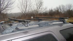 Thule Square load bars @ 450 mounting kit with Locks