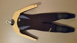 Wet suit size 10 T