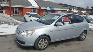 2008 Hyundai Accent GL Coupe (2 door)