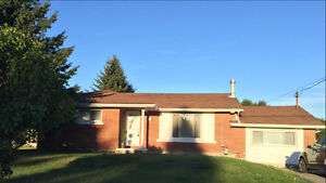 1300 square foot bungalow in Val Caron 75x200 lot